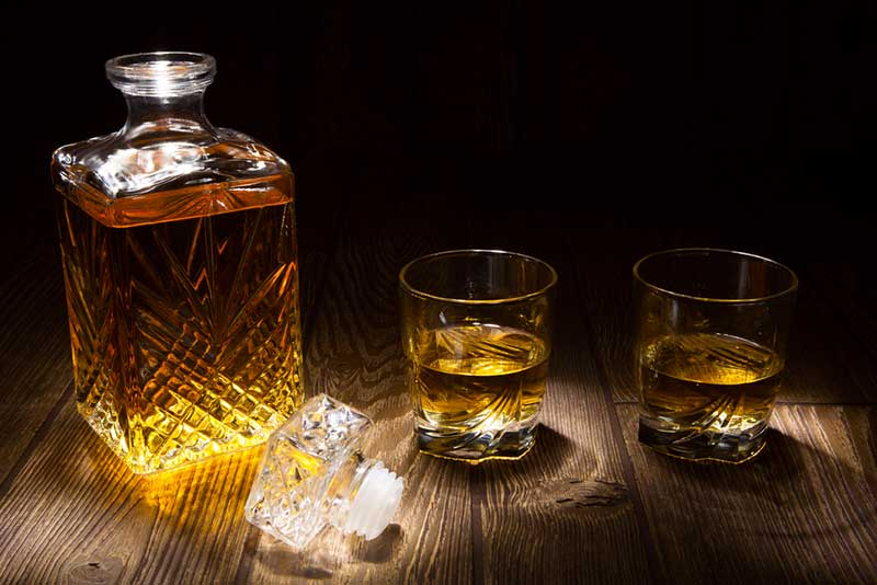Best Whiskey Decanters - Buyer's Guide